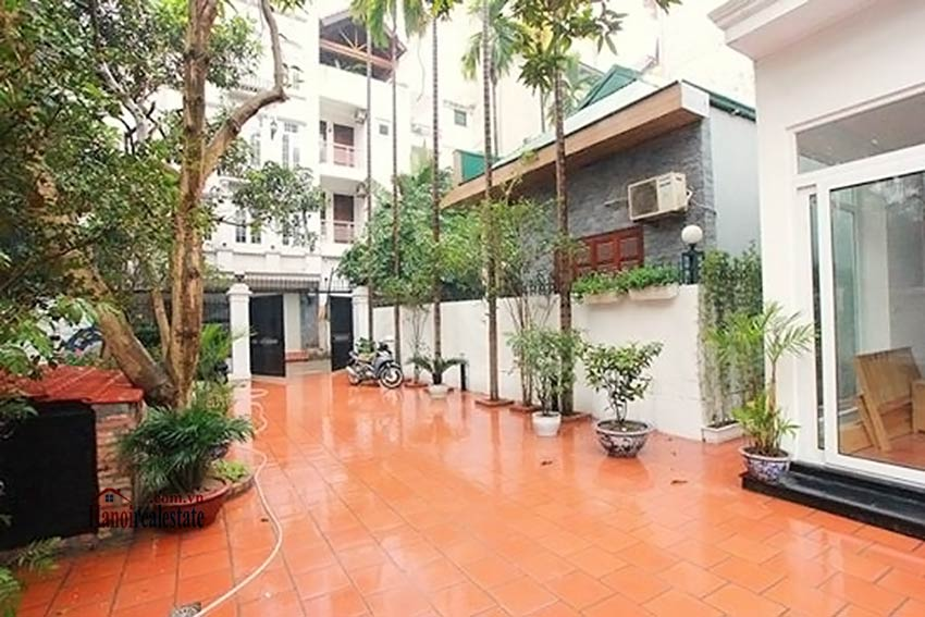 Tay Ho spacious courtyard & Swimming pool house to rent, fully furnished 1