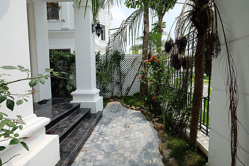 The Harmony: Incredible 03 + 01BRs villa on Nguyet Que St, walking distance to the lake 1