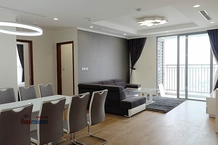 Times City Park Hill modern 3 bedroom apartment to let 1