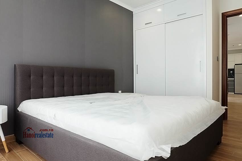 Times City Park Hill modern 3 bedroom apartment to let 10