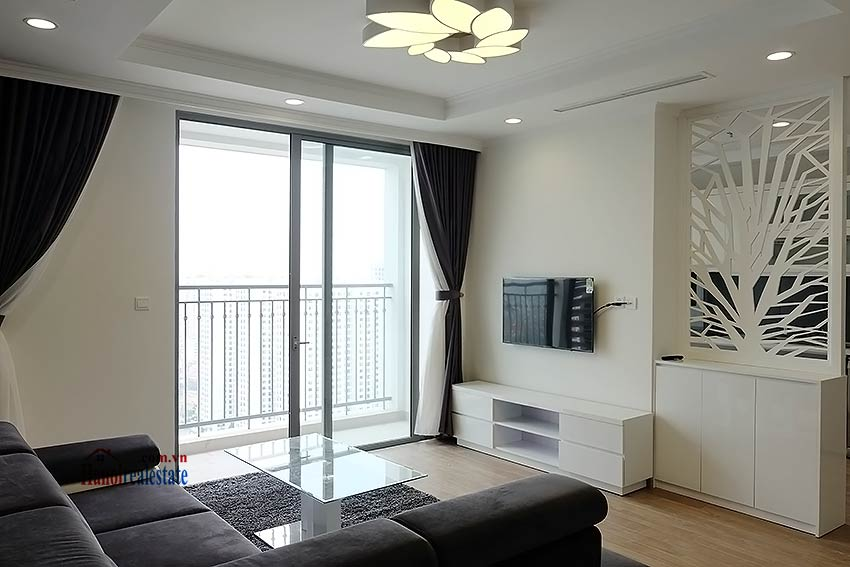 Times City Park Hill modern 3 bedroom apartment to let 2