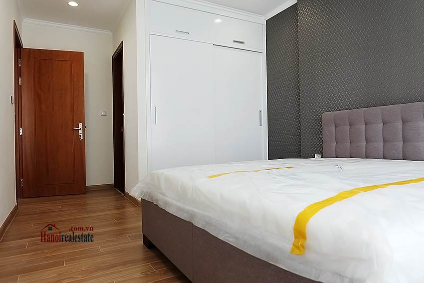 Times City Park Hill modern 3 bedroom apartment to let 8