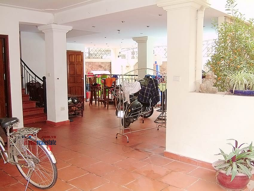 To Ngoc Van: Lovely 05BRs villa with swimming pool. Semi furnished 1