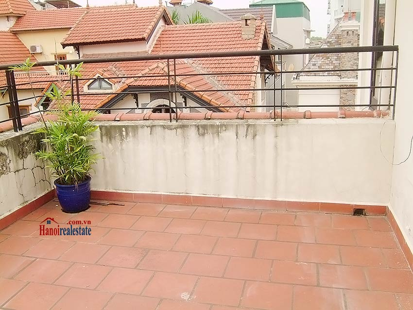 To Ngoc Van: Lovely 05BRs villa with swimming pool. Semi furnished 10