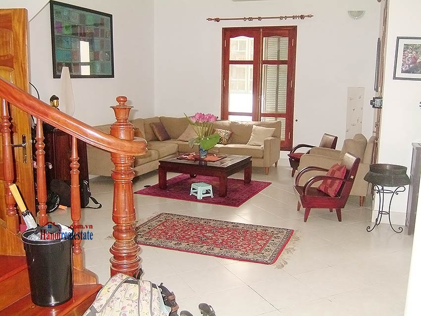 To Ngoc Van: Lovely 05BRs villa with swimming pool. Semi furnished 3