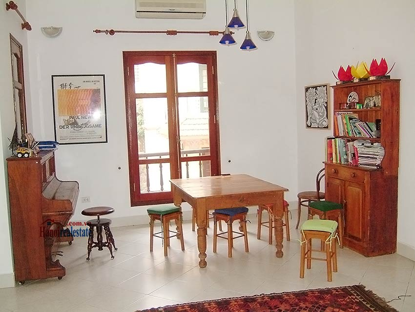 To Ngoc Van: Lovely 05BRs villa with swimming pool. Semi furnished 6