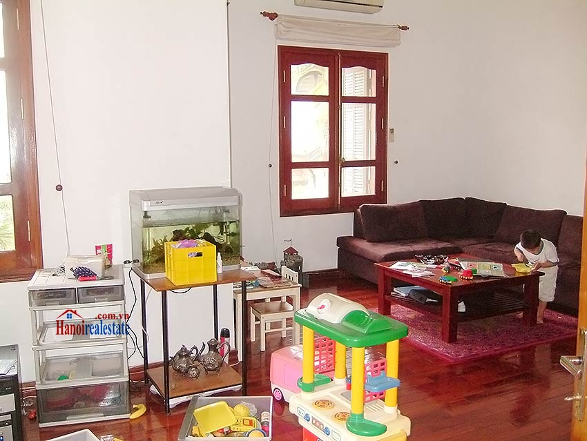 To Ngoc Van: Lovely 05BRs villa with swimming pool. Semi furnished 7