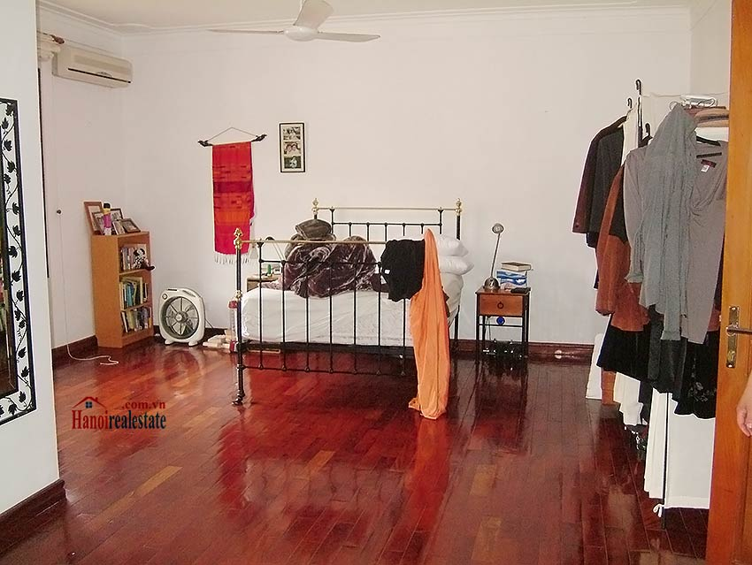 To Ngoc Van: Lovely 05BRs villa with swimming pool. Semi furnished 8
