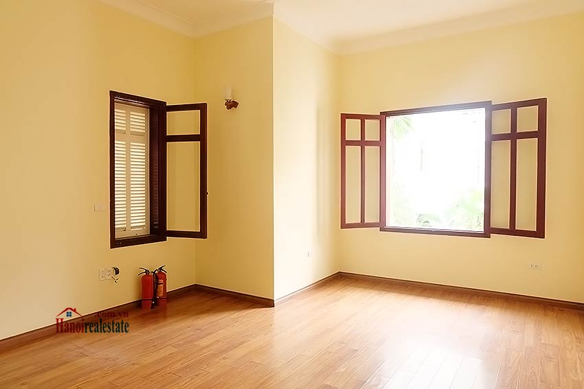 To Ngoc Van: Spacious 05BRs villa with swimming pool 11