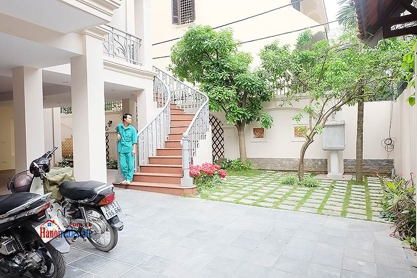 To Ngoc Van: Spacious 05BRs villa with swimming pool 3