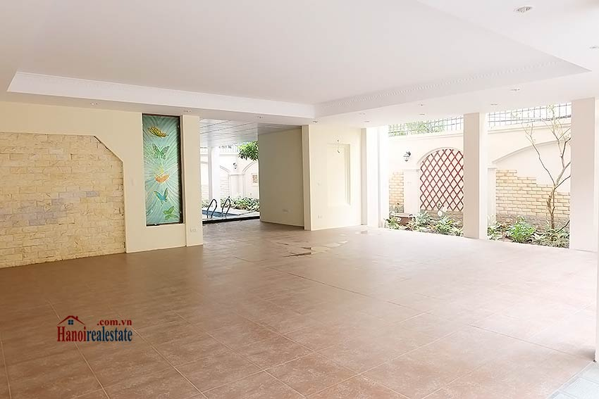 To Ngoc Van: Spacious 05BRs villa with swimming pool 4