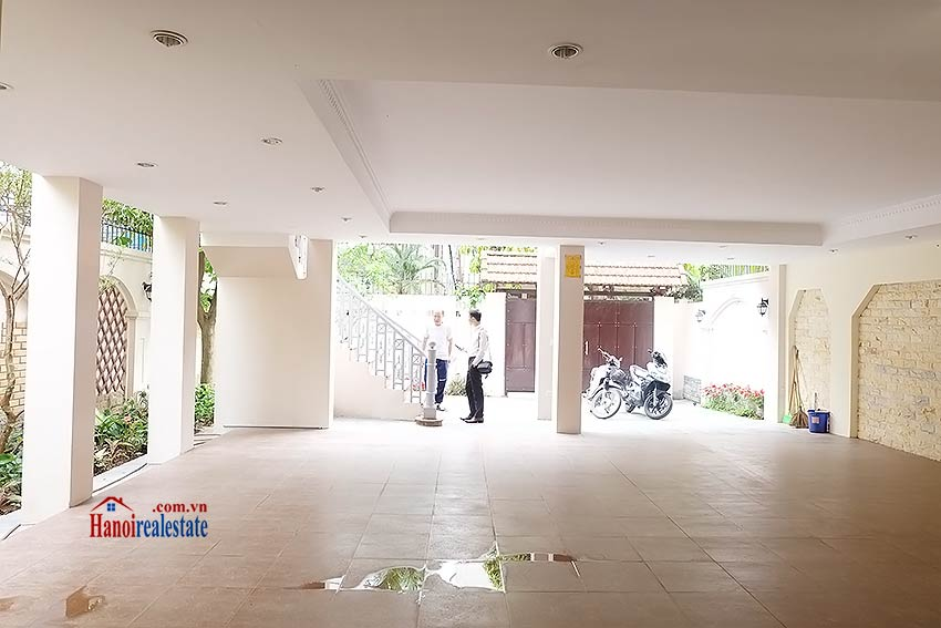 To Ngoc Van: Spacious 05BRs villa with swimming pool 5