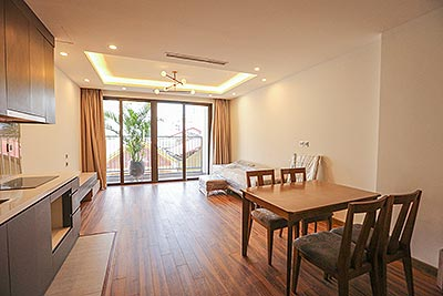Lovely 01BR apartment on Tu Hoa St, steps to the rooftop swimming pool