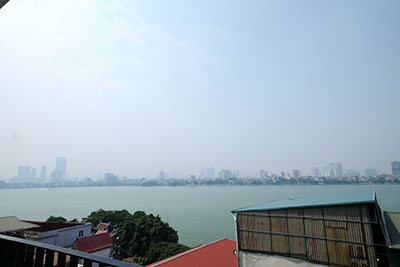 Top floor lake view 02BRs apartment on Quang Khanh