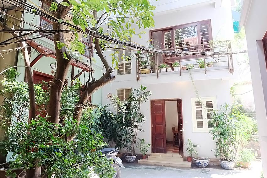 Top floor terrace 02BRs house to let in Hoan Kiem, short walk to French Embassy 1