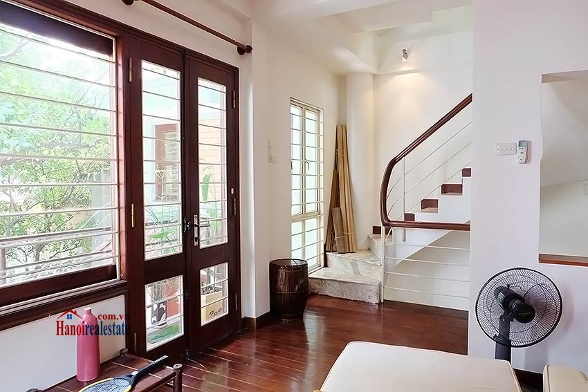 Top floor terrace 02BRs house to let in Hoan Kiem, short walk to French Embassy 5