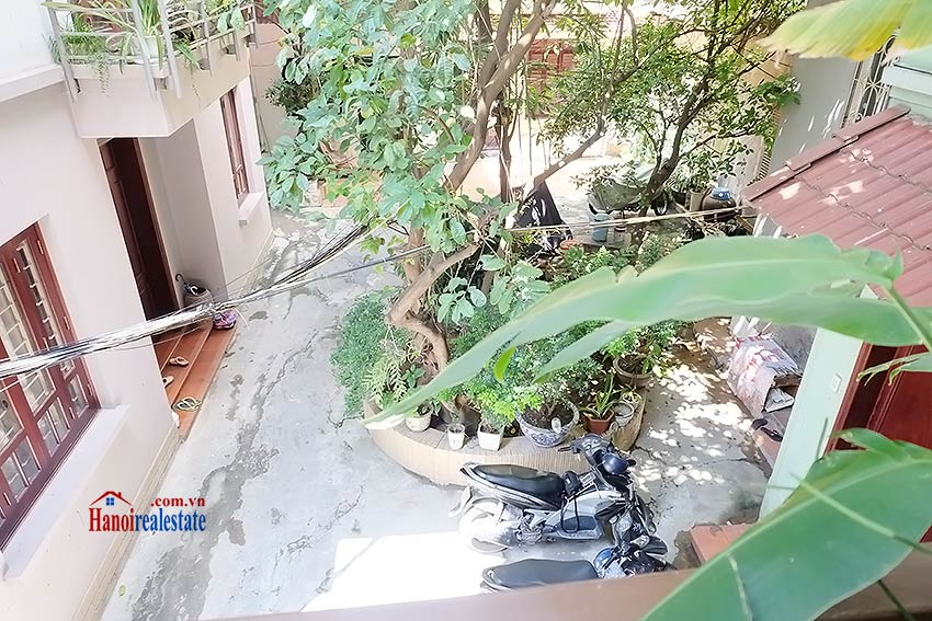 Top floor terrace 02BRs house to let in Hoan Kiem, short walk to French Embassy 7