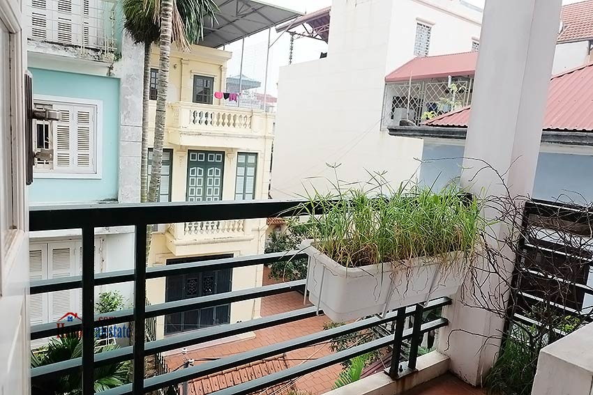 Top floor terrace 04 bedroom house to let in Tay Ho with fully furnished 14