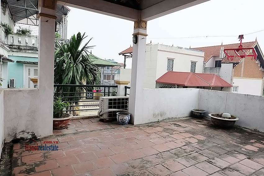 Top floor terrace 04 bedroom house to let in Tay Ho with fully furnished 18