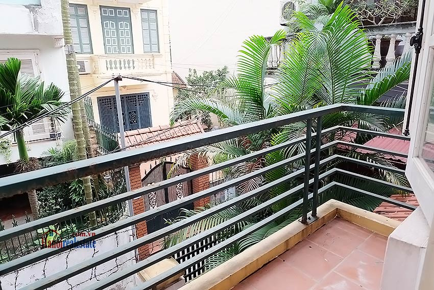 Top floor terrace 04 bedroom house to let in Tay Ho with fully furnished 8