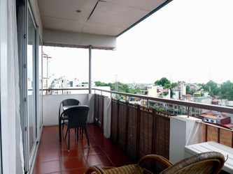 Top Floor, Two bedroom apartment in Truc Bach, nice balcony