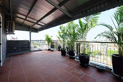 Top-floor Amazing apartment in Tay Ho with 2 balconies, short walking to Waterpark