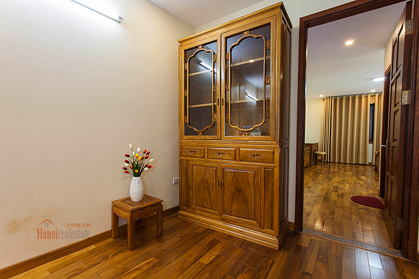 Vietnamese traditional style apartment with 2 bedrooms, spacious size 4
