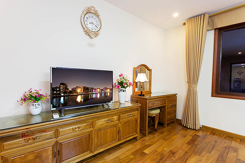 Vietnamese traditional style apartment with 2 bedrooms, spacious size 8