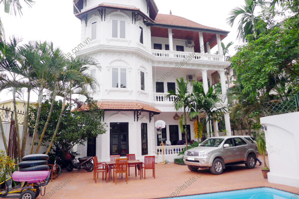 Villa for rent in Tay Ho Hanoi, West Lake Villa includes Pool & Garden