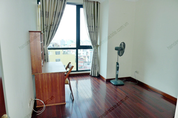 Vincom Park Place: 3 bedroom apartment has an 180m2 living area for rent 11