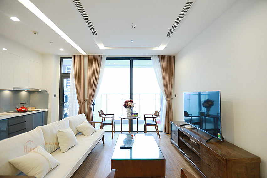 Vinhomes Metropolis: Lovely 03BRs apartment with Ngoc Khanh lake view at M1 2