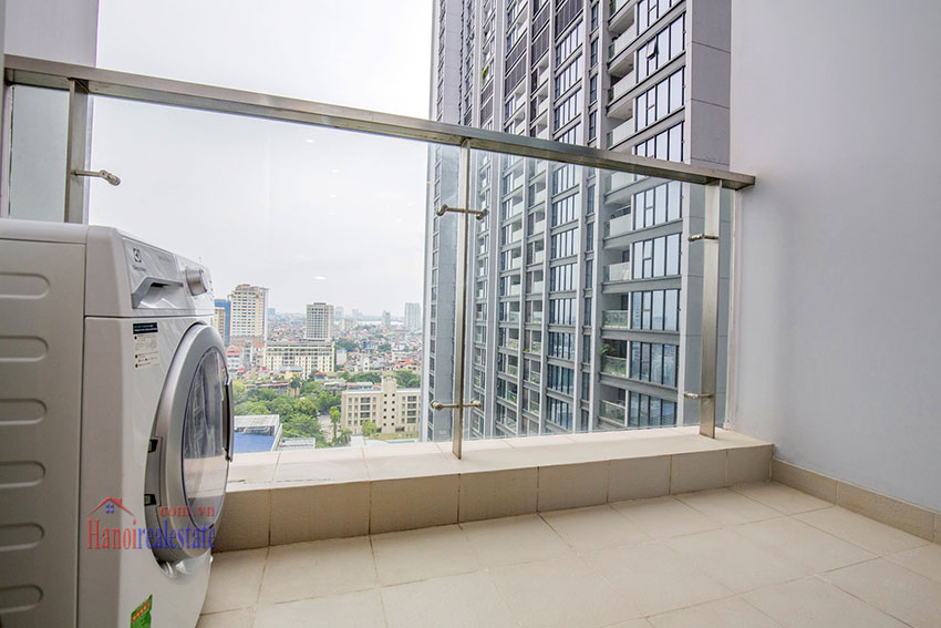 Vinhomes Metropolis One bedroom apartment in M2 Tower for rent 2