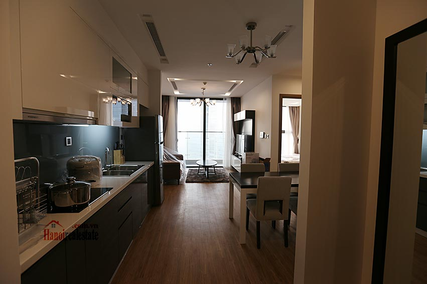 Vinhomes Metropolis: Serviced 01BR apartment at M1 building, balcony 1