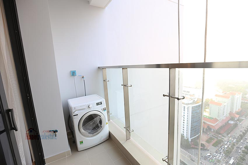 Vinhomes Metropolis: Serviced 01BR apartment at M1 building, balcony 11