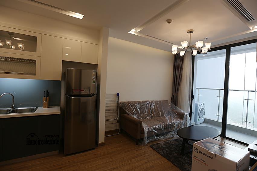 Vinhomes Metropolis: Serviced 01BR apartment at M1 building, balcony 2