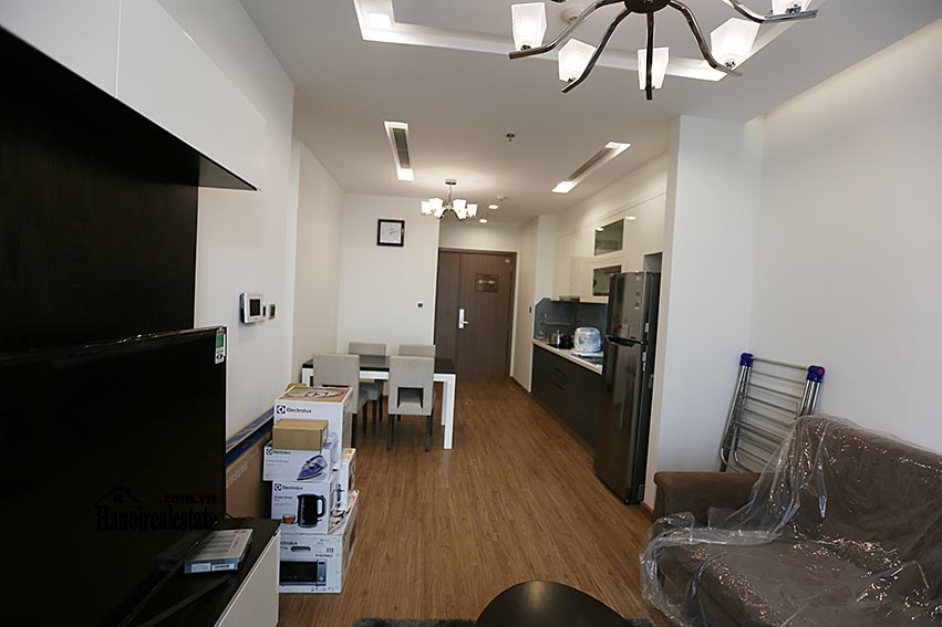 Vinhomes Metropolis: Serviced 01BR apartment at M1 building, balcony 4