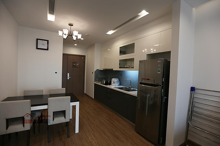 Vinhomes Metropolis: Serviced 01BR apartment at M1 building, balcony 5