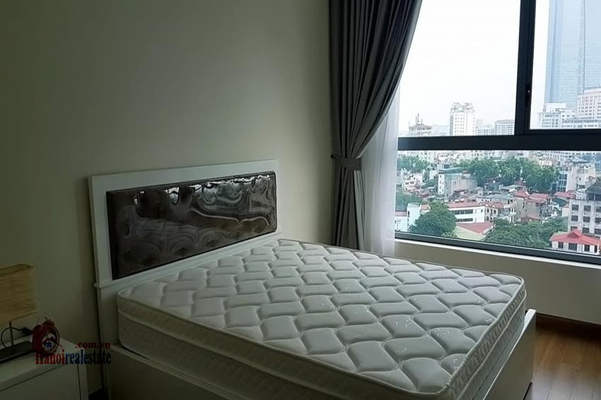 Vinhomes Nguyen Chi Thanh: Bright 03BRs apartment, city view 10