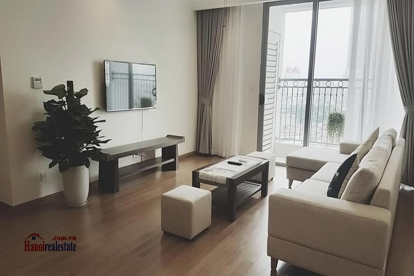 Vinhomes Nguyen Chi Thanh: Bright 03BRs apartment, city view 4