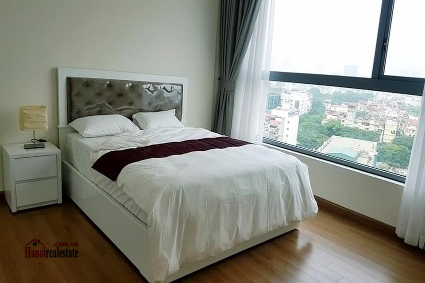 Vinhomes Nguyen Chi Thanh: Bright 03BRs apartment, city view 9