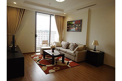 Vinhomes Nguyen Chi Thanh: Fully furnished 02BRs apartment, balcony with city view