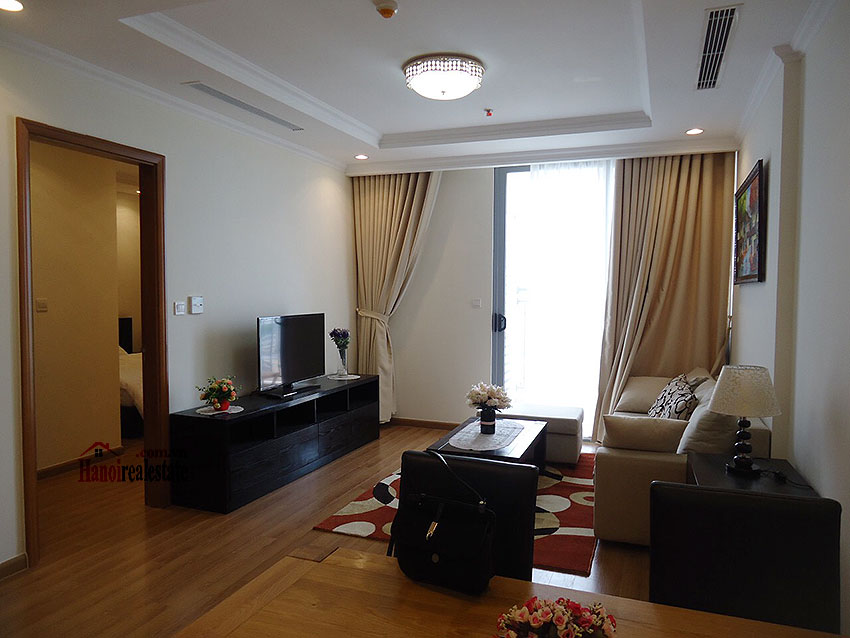 Vinhomes Nguyen Chi Thanh: Fully furnished 02BRs apartment, balcony with city view 3