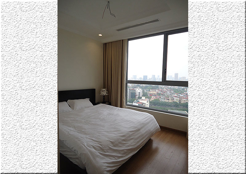 Vinhomes Nguyen Chi Thanh: Fully furnished 02BRs apartment, balcony with city view 9