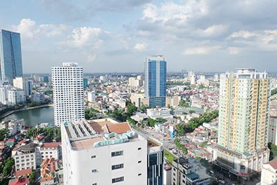 Vinhomes Nguyen Chi Thanh: Fully furnished 03BRs apartment, city view