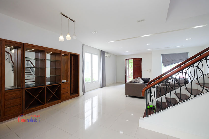 Vinhomes Riverside: Fully furnished modern 04BRs house on Hoa Sua 10, river access 15