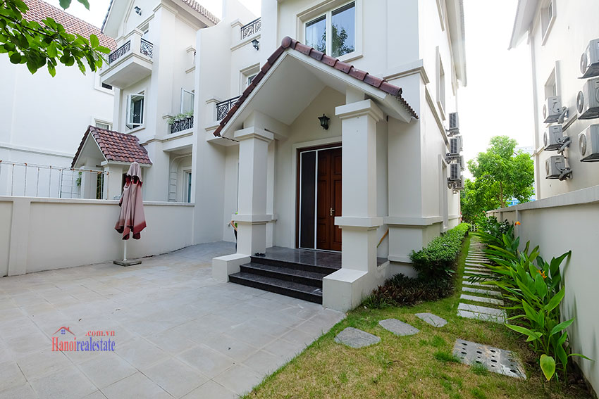 Vinhomes Riverside: Fully furnished modern 04BRs house on Hoa Sua 10, river access 6