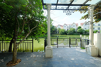 Vinhomes Riverside: Partly furnished 05BRs villa in Hoa Sua 3, river access