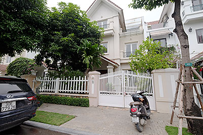 Vinhomes Riverside Villas For Rent, Luxury Villa compound Hanoi