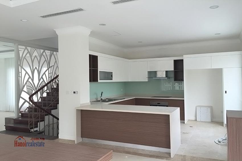 Vinhomes Riverside: Spacious 04BRs villa at Hoa Sua 2 6