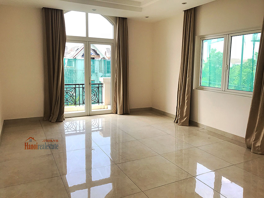Vinhomes Riverside: Spacious unfurnished  03 + 1BR villa at Hoa Phuong 1, semi detached 8